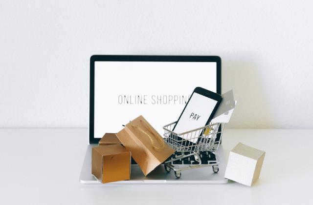 Dlaczego warto robić zakupy w internecie?