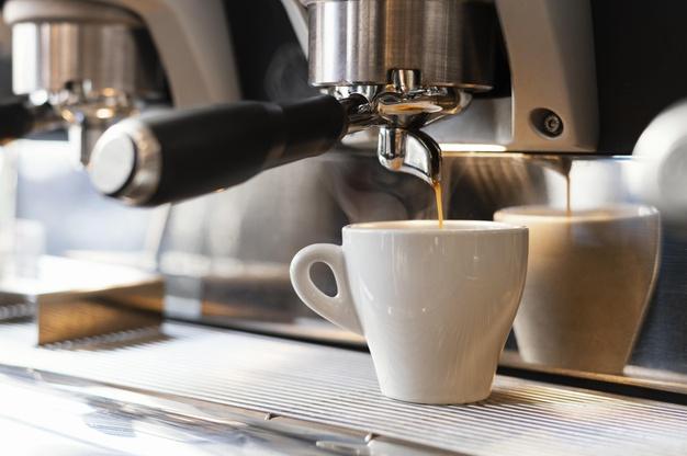 Wynajem ekspresu do kawy – jaki wybrać?